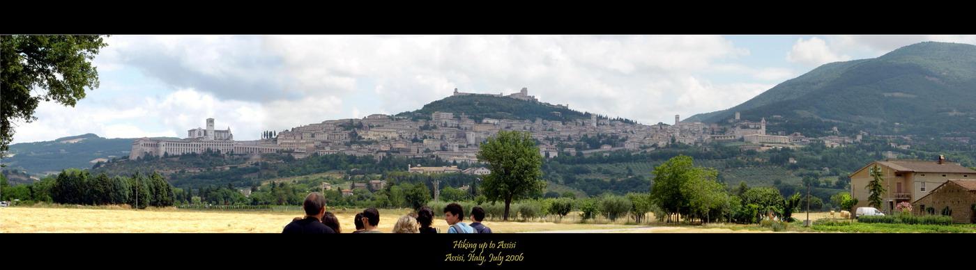 Assisi, tijdens een lange wandeling richting Assisi. Laatste stukje was redelijk steil, en de 35 gra