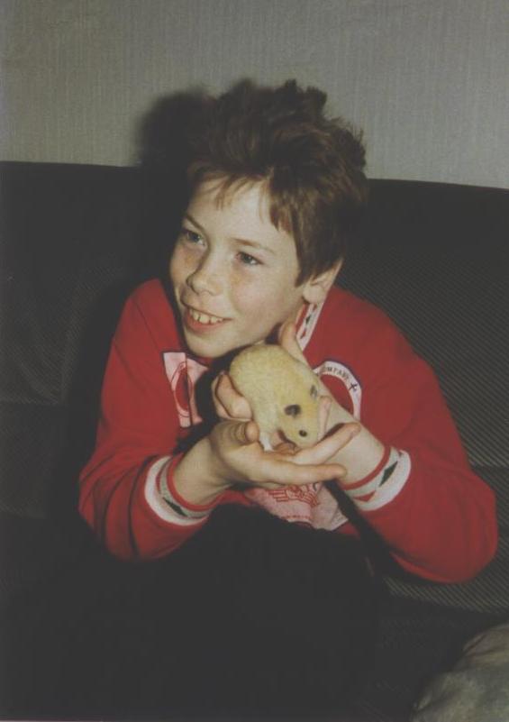 Daniman als kind, met hamster Snuifje