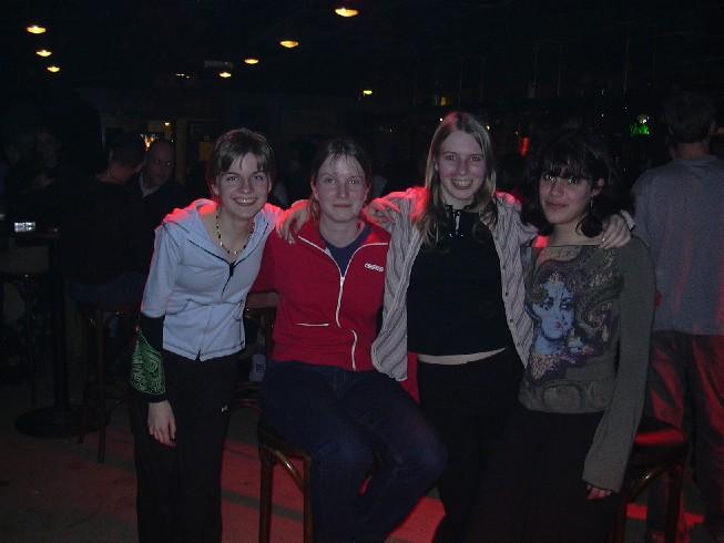Ik en 3 vriendinnetjes