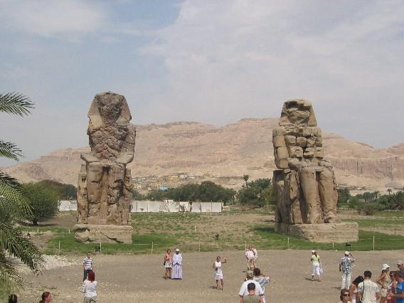 Kolossen v. Memnon