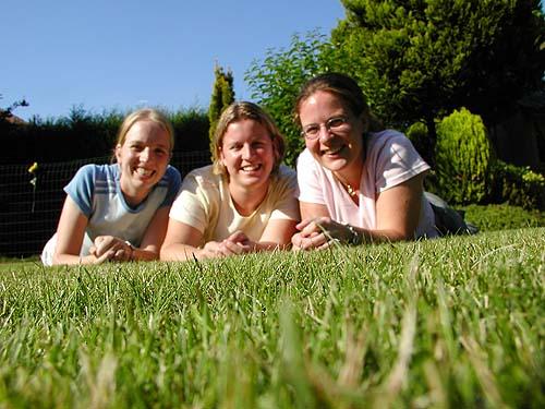 Inge, Ciny en ik (van links naar rechts)