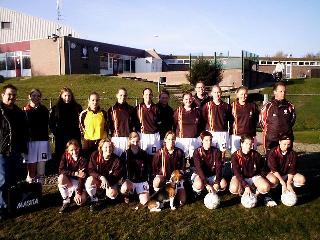 Ik met mijn voetbalteam(www.schaesberg-angels.com)