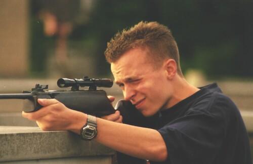 Hier ben ik op wat nare Campuskindertjes aan het schieten ;).