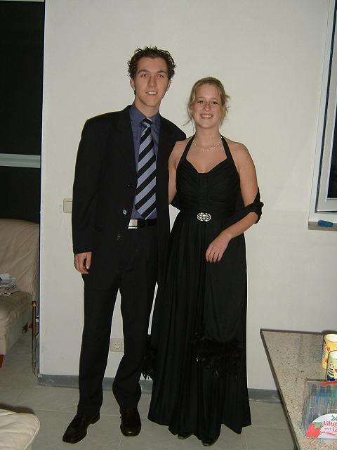 Simone en ik voor een gala