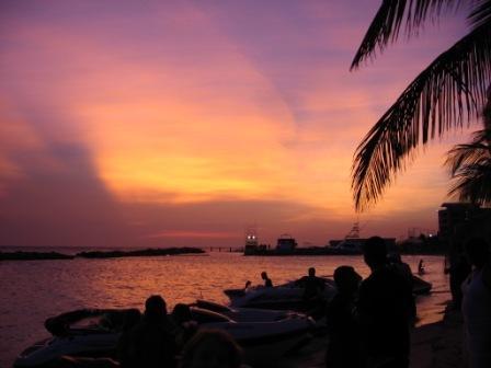 Mooie lucht na zonsondergang bij W&W.