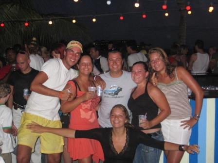 Groepsfoto bij Wet&Wild Curacao \