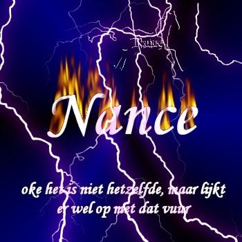 naam in met bliksem en vuur
