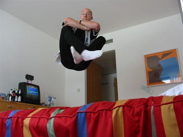 Bij aankomst in een hotel eerst het bed testen!