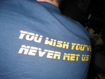 Als je een shirt zoals deze ziet.. dan is S.L.E.T in de buurt.