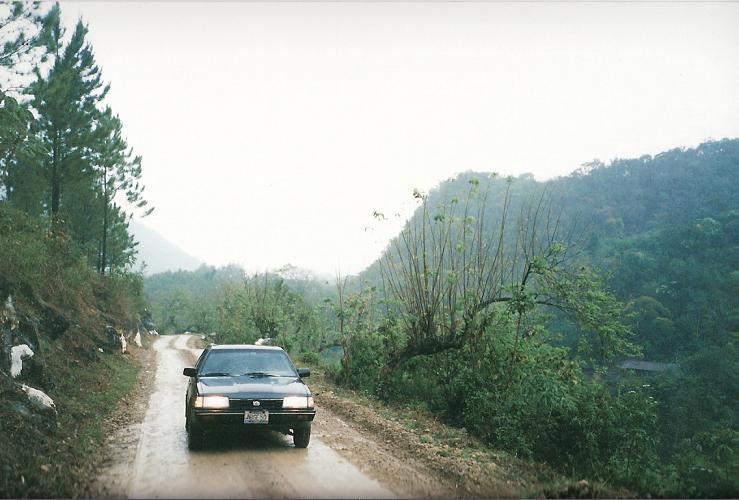 Binnenland van Guatemala in mijn Subaru