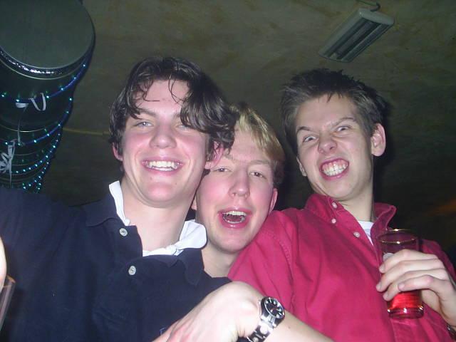 Gregor, Daan en ik op het Zuip-Wat-Je-Kan-Feest