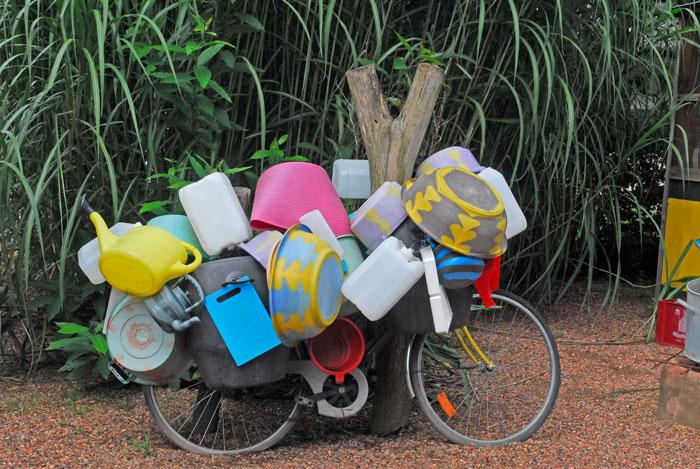 Volgepakte fiets (Berg en Dal)