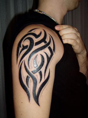 Tattoo opnieuw ingekleurd.