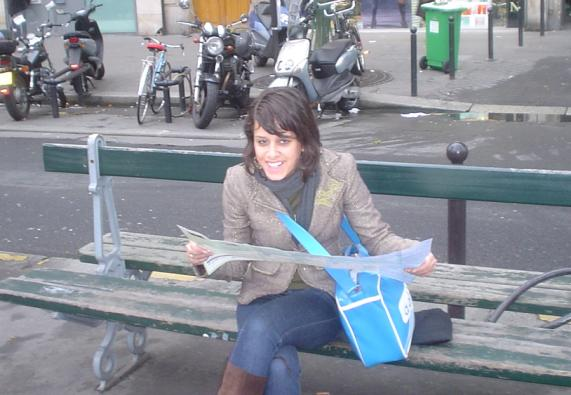 Jony op bankje in Parijs!