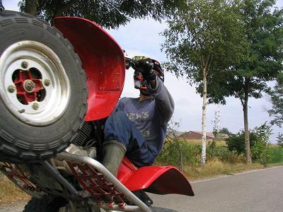Wheelie met de quad