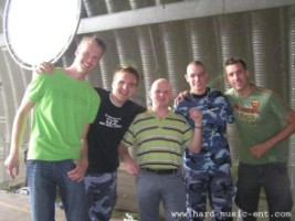 Q-Base 2005, was weer