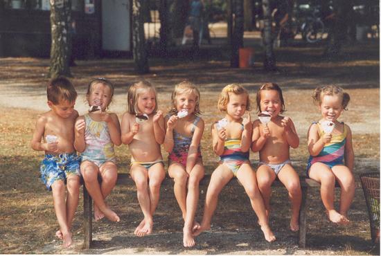 Kleine Saskia :) (3e van rechts)