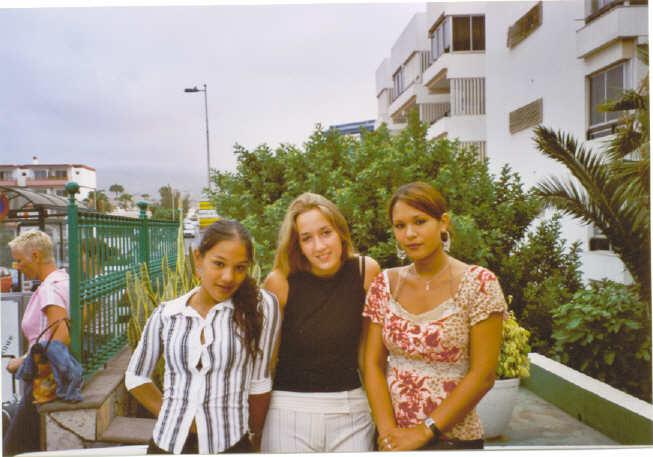 ik eline en mn zus lindsey in Gran Canaria op weg naar huis :