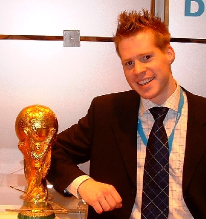 Me @ CeBIT 2004 @ Philips stand next to FIFA bokaal.