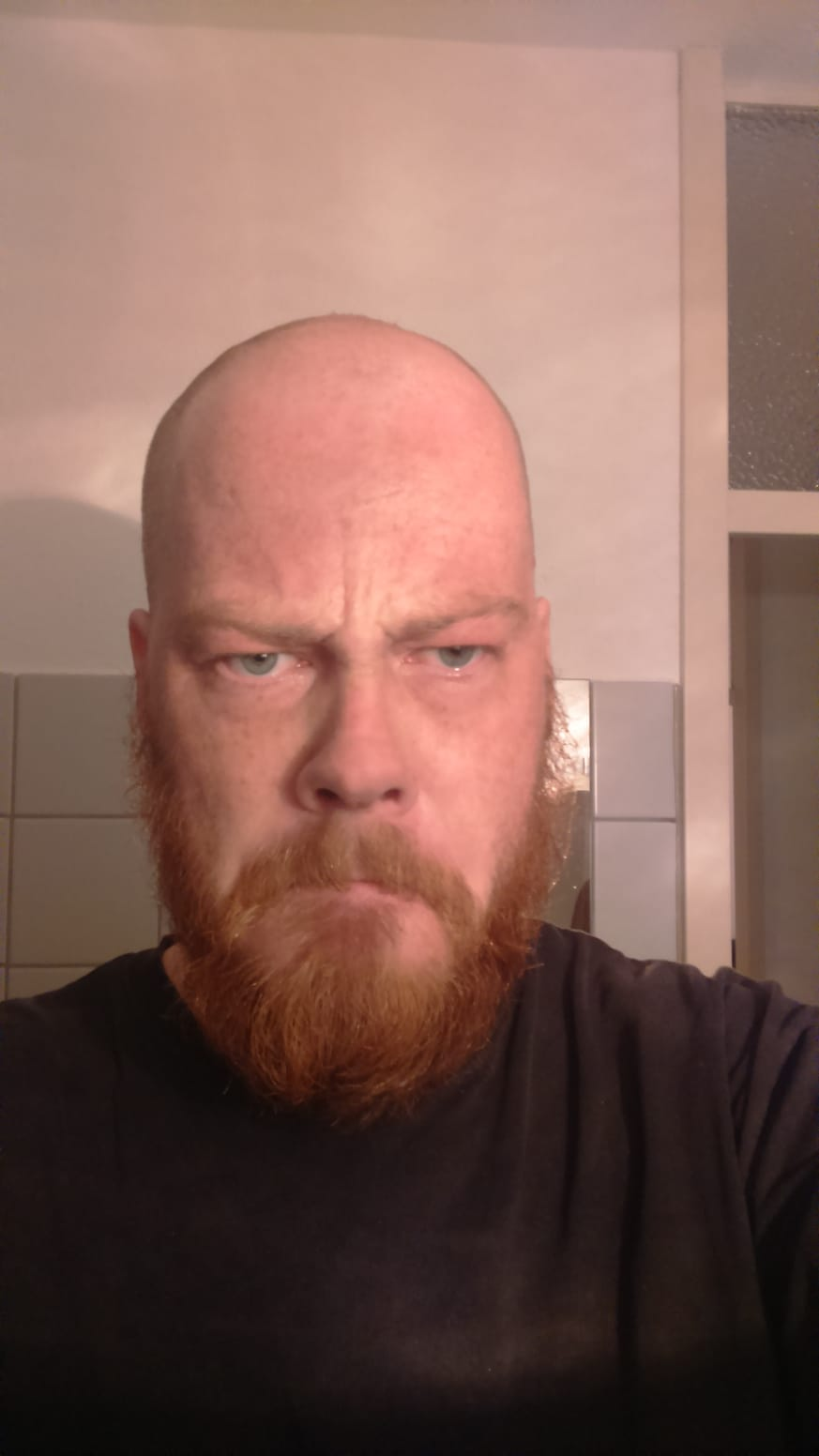 Kaal en boos :7